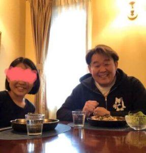 花田虎上の娘(第5子)とのツーショット画像
