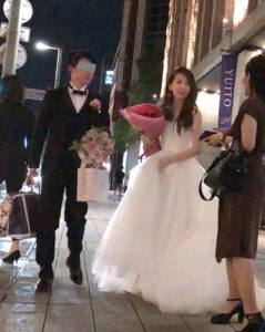 和久田麻由子アナウンサーが旦那(猪俣英希)と結婚式を挙げた時の画像