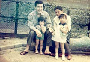 アンミカの昔、家族で撮った写真