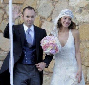 イニエスタと嫁・アンナ・オーティズの結婚式の画像
