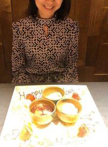 田中みな実さんの母親の誕生日を祝う画像