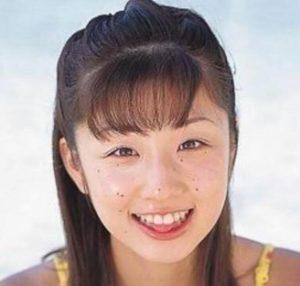 小倉優子のデビュー初期のほくろが顔にあった時の画像