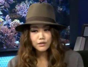 JUJUがインタビューに答えている画像