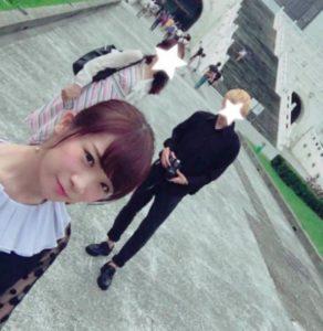 秋元真夏と母と弟の家族旅行写真