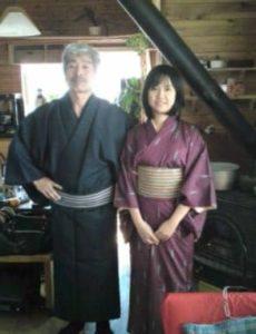 井口理の父親と母親のツーショット画像