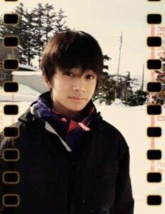北村匠海が中学生の時に弟と雪で遊んだ時の画像